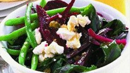 Pancarlı Keçi Peyniri Salatası