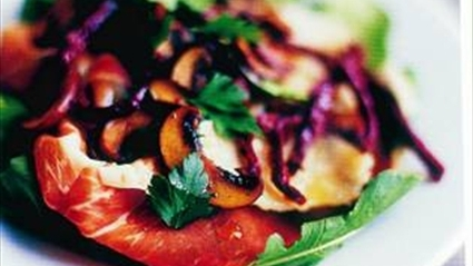 Sıcak Mantarlı Salata