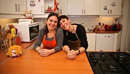 İki Anne Bir Mutfak'ta